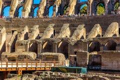 Details van Colosseum of Flavian Amphitheatre in Rome Stock Afbeeldingen