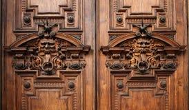 Details van de deur van een oud rijk paleis Royalty-vrije Stock Afbeeldingen