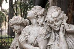 Details van het monument gewijd aan de dichter Gustavo Adolfo Becquer in Sevilla royalty-vrije stock fotografie