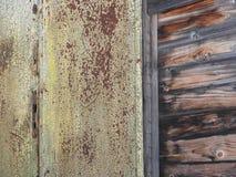 Details van oud roestig locomotievenclose-up, textuur stock foto