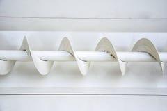 Details van slakkehuis in ijzermachine om druif te drukken stock afbeeldingen