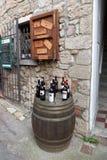Details van stratencastegneto Carducci op Bolgheri-gebied binnen Stock Afbeeldingen