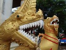 Details von schönen Künsten am buddhistischen Tempel Stockfotografie