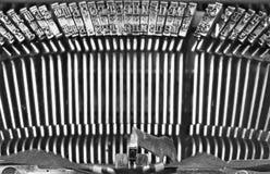 Detal des alten Schreibmaschinenjournalisten in bw Stockfotografie