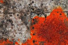 Detalhado perto acima da textura de superf?cies de metal oxidadas marrons e brancas na alta resolu??o foto de stock