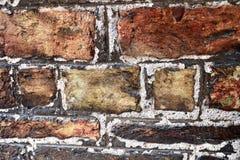 Detalhado perto acima do brickwall envelhecido e resistido colorido na alta resolu??o fotos de stock