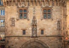 Detalhe arquitetónico da porta de Cailhau no Bordéus imagens de stock royalty free