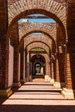 Detalhe arquitetónico de arcos de Adobe Guadalupe Winery fotografia de stock