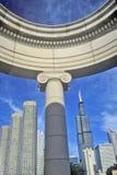 Detalhe arquitetónico de Chicago com Torre de Sears no fundo, Chicago, Illinois imagem de stock royalty free