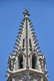 Detalhe arquitetónico de um telhado gótico da catedral imagens de stock