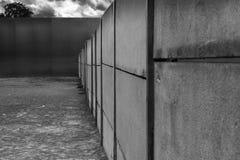 Detalhe arquitetónico do muro de cimento, primeiro obstáculo que separou Berlim do leste de Berlim Ocidental, Berlim, Alemanha, imagens de stock