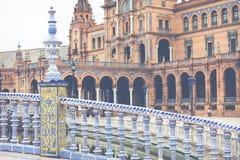 Detalhe azul da balaustrada de Plaza de Espana em Sevilha, a Andaluzia, Sp Imagens de Stock