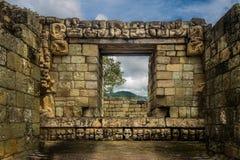 Detalhe cinzelado em ruínas maias - local arqueológico de Copan, Honduras Foto de Stock