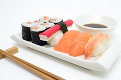 Detalhe da bandeja do sushi Imagens de Stock