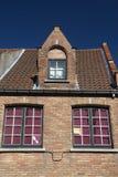 Detalhe da casa histórica do tijolo (Bruges, Bélgica) Imagens de Stock Royalty Free