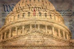 Detalhe da construção do Capitólio dos E.U. em Washington D C com declaração famosa imagem de stock royalty free