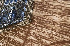 Detalhe da fachada de casa de Maroccan com balcão Fotografia de Stock Royalty Free