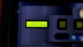 Detalhe da máquina de mudança da moeda do dinheiro do Euro filme