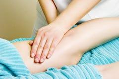 Detalhe da massagem do pé Imagem de Stock