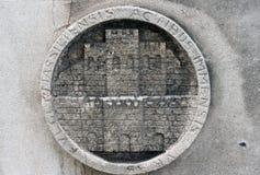 Detalhe da parede da construção em Marselha, França fotografia de stock royalty free