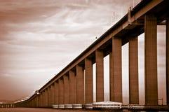 Detalhe da ponte de Rio-Niteroi Foto de Stock Royalty Free