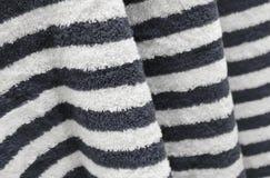 Detalhe da textura preto e branco de toalha de banho imagens de stock