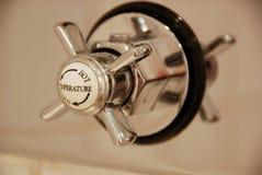 Detalhe da torneira do banheiro Fotos de Stock Royalty Free