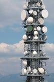 Detalhe da torre de antena do repetidor de uma comunicação Fotografia de Stock Royalty Free