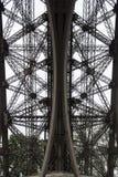 Detalhe da torre Eiffel de baixo de imagem de stock royalty free
