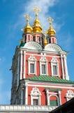 Detalhe da transfiguração da igreja da porta de Jesus situada sobre a entrada principal do convento de Novodevichy em Moscou, Rús Fotos de Stock Royalty Free