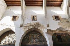 Detalhe das paredes no Souks tradicional em Tripoli, Líbano Fotos de Stock Royalty Free