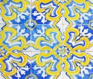 Detalhe das telhas tradicionais da fachada da casa velha Telhas decorativas Telhas tradicionais Valencian Teste padrão 08 Foto de Stock Royalty Free
