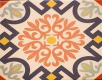 Detalhe das telhas tradicionais da fachada da casa velha Telhas decorativas Telhas tradicionais Valencian Teste padrão 08 Foto de Stock
