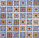 Detalhe das telhas tradicionais da fachada da casa velha Telhas decorativas Telhas tradicionais Valencian Teste padrão 08 Imagem de Stock Royalty Free