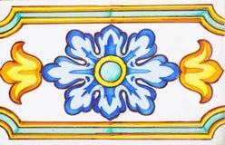 Detalhe das telhas tradicionais da fachada da casa velha Telhas decorativas Telhas tradicionais Valencian Teste padrão 08 Imagens de Stock