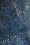 Detalhe de alumínio velho de um avião militar, corrosão de superfície do fundo imagem de stock royalty free
