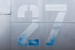 Detalhe de alumínio velho de um avião militar, corrosão de superfície do fundo fotografia de stock royalty free