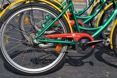 Detalhe de bicicletas do serviço de Girocleta em Girona, Espanha Fotos de Stock Royalty Free