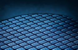 Detalhe de bolacha de silicone que contém os microchip foto de stock
