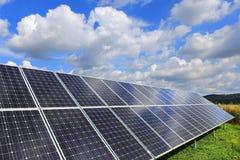 Detalhe de central elétrica de energias solares Imagem de Stock