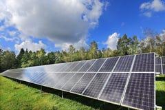 Detalhe de central elétrica de energias solares Imagens de Stock Royalty Free