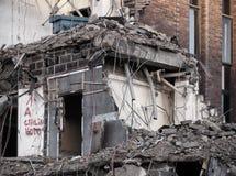Detalhe de construção que está sendo demulido Imagens de Stock Royalty Free