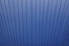 Detalhe de couro azul do fundo com linhas verticais Fotos de Stock Royalty Free