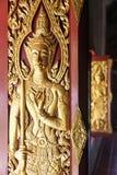 Detalhe de deus Carved na janela fotografia de stock royalty free