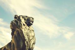 Detalhe de estátua de um leão do rei, que pertença a Christopher Co imagens de stock royalty free