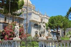 Detalhe de estátuas do quadrado de Praça del Domo em Catania, Sicília, Itália foto de stock
