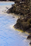 Detalhe de lagoa do azul de Islândia Foto de Stock