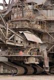 Detalhe de máquinas escavadoras muito grandes de uma cubeta-roda Foto de Stock Royalty Free