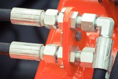 Detalhe de maquinaria pneumática ou hidráulica feita do conceito do aço, da tecnologia e da engenharia foto de stock