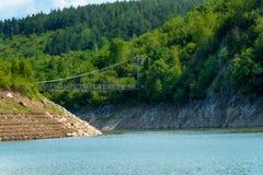 Detalhe de meandro no desfiladeiro rochoso de Uvac do rio Fotografia de Stock